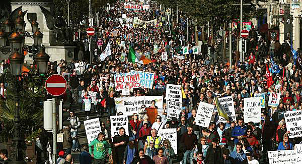 Ireland: Massive protests against water charges