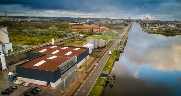 The drinking water production facility is located near the Ostend-Bruges canal